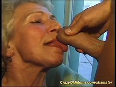 old and young orgasme lick