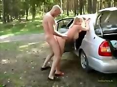 russkuyu-trahnuli-v-mashine